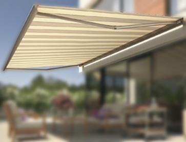 C mo instalar un toldo en la terraza correctamente for Como colocar un toldo de brazos invisibles